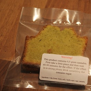 cake met label