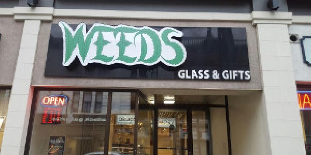 Weeds - Bank St Ottawa Glass & Gifts Dispensary