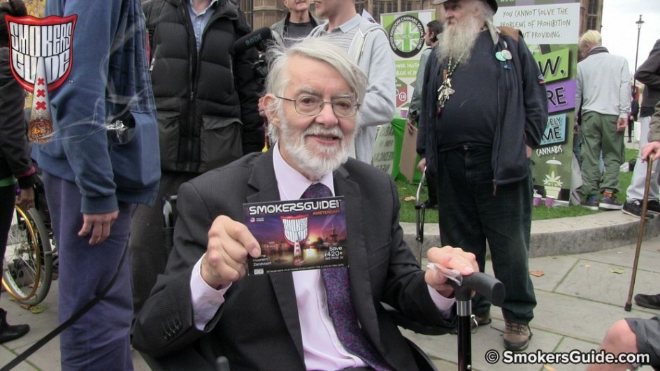 SG PAUL FLYNN WITH SG BOOK